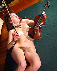 Long haired hippie girl with large breasts and dreadlocks. Very hairy bush and pits.